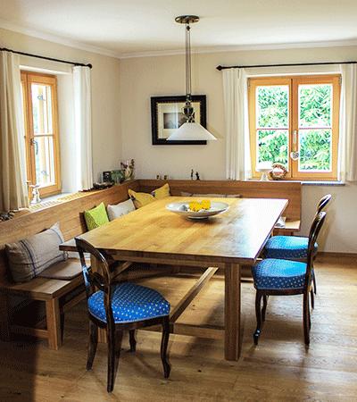 Tische für die ganze Familie.